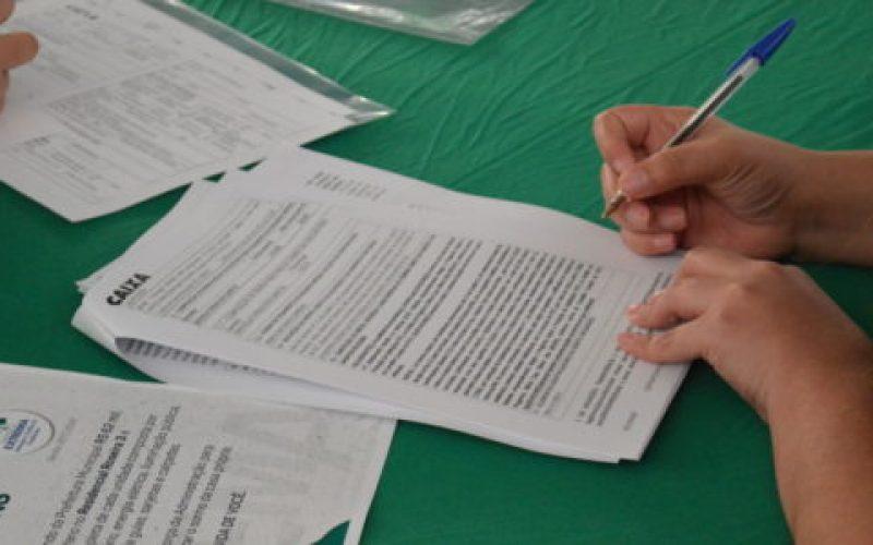 Assinatura-dos-contratos-é-passo-importante-para-a-casa-própria-550×300