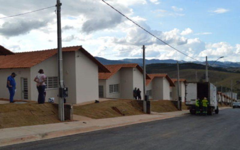 Cada-família-em-frente-a-sua-casa-para-evitar-aglomeração-550×300