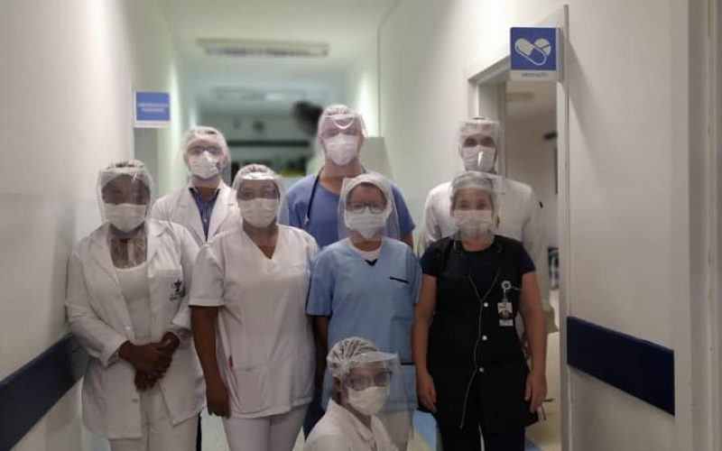 Equipe-do-Pronto-Atendimento-de-Extrema-recebeu-na-semana-passada-as-máscaras-de-proteção-facial
