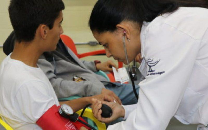 Na-região-a-Faex-é-pioneira-na-formação-profissional-como-técnico-em-enfermagem-550×300
