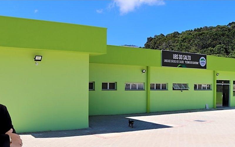 Presidente-da-Camara-Leandro-Marinho-conferiu-de-perto-o-andamento-do-trabalho-na-UBS-Plinio-de-Oliveira