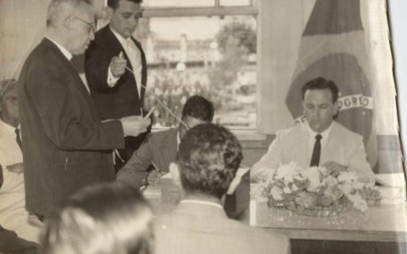 Reunião-da-Câmera-de-Extrema-na-década-de-1940-550×300