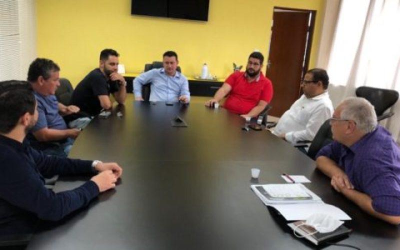 Reunião-entre-Legislativo-e-Executivo-550×300