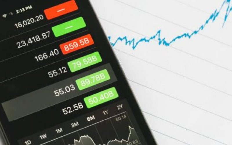 stock-market-tracking-and-stocks-550×300