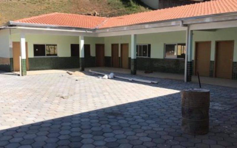 Escola-Municipal-Professor-Dr.-Onofre-Vargas-550×300