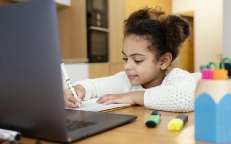 Inicialmente-as-aulas-da-Rede-Municipal-de-Ensino-acontecerão-no-modelo-não-presencial-550×300