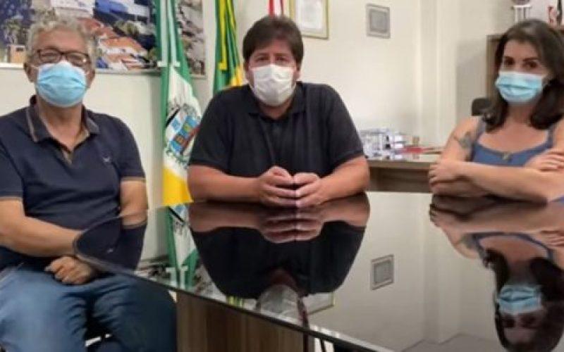 Vice-Dr.-Mazinho-prefeito-Rodrigão-e-a-secretária-de-Saúde-Shirley-550×300