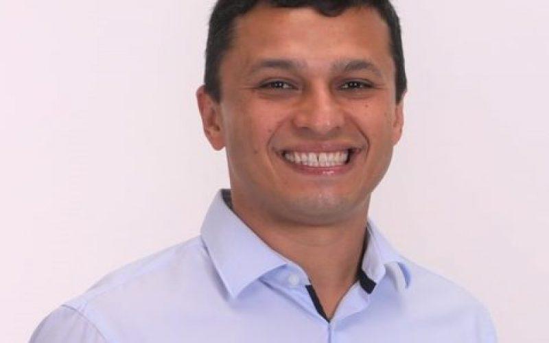 Vice-prefeito-reeleito-de-Extrema-Juliano-Maximino-de-Toledo-550×300