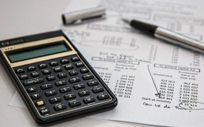 calculator-385506_1920-550×300