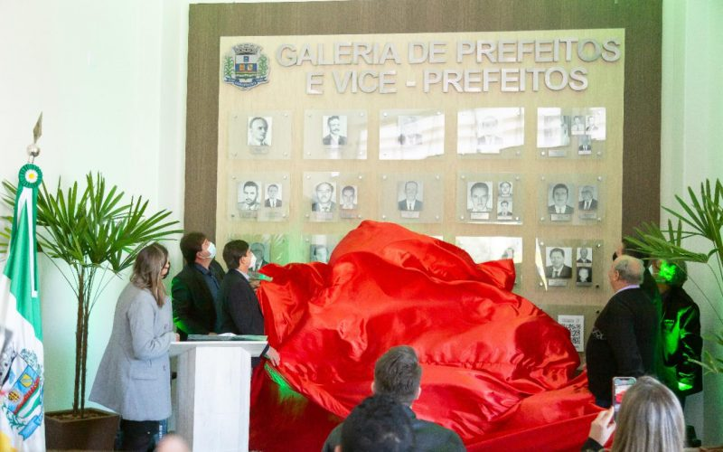 Nova galeria de prefeitos e vices resgata a história sociopolítica de Camanducaia