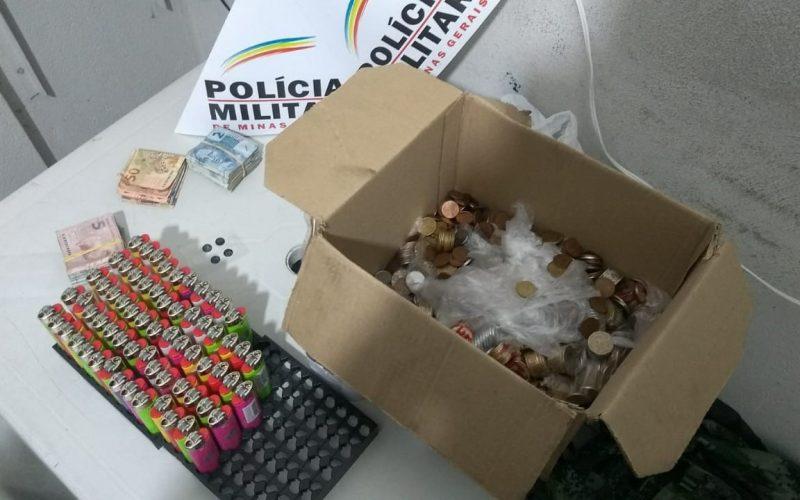 Policiais recuperaram produtos e dinheiro furtados