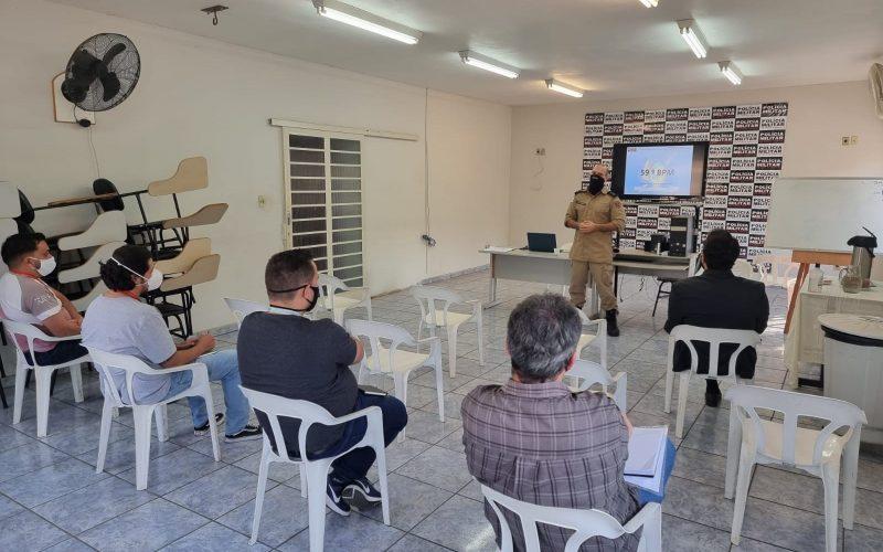 Parte do programa é a criação de um grupo de WhatsApp para facilitar a troca de informações entre as empresas e a PM